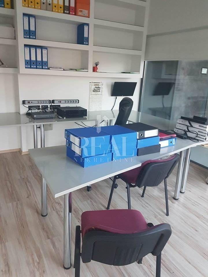 Marinići, poslovni prostor, 141m2