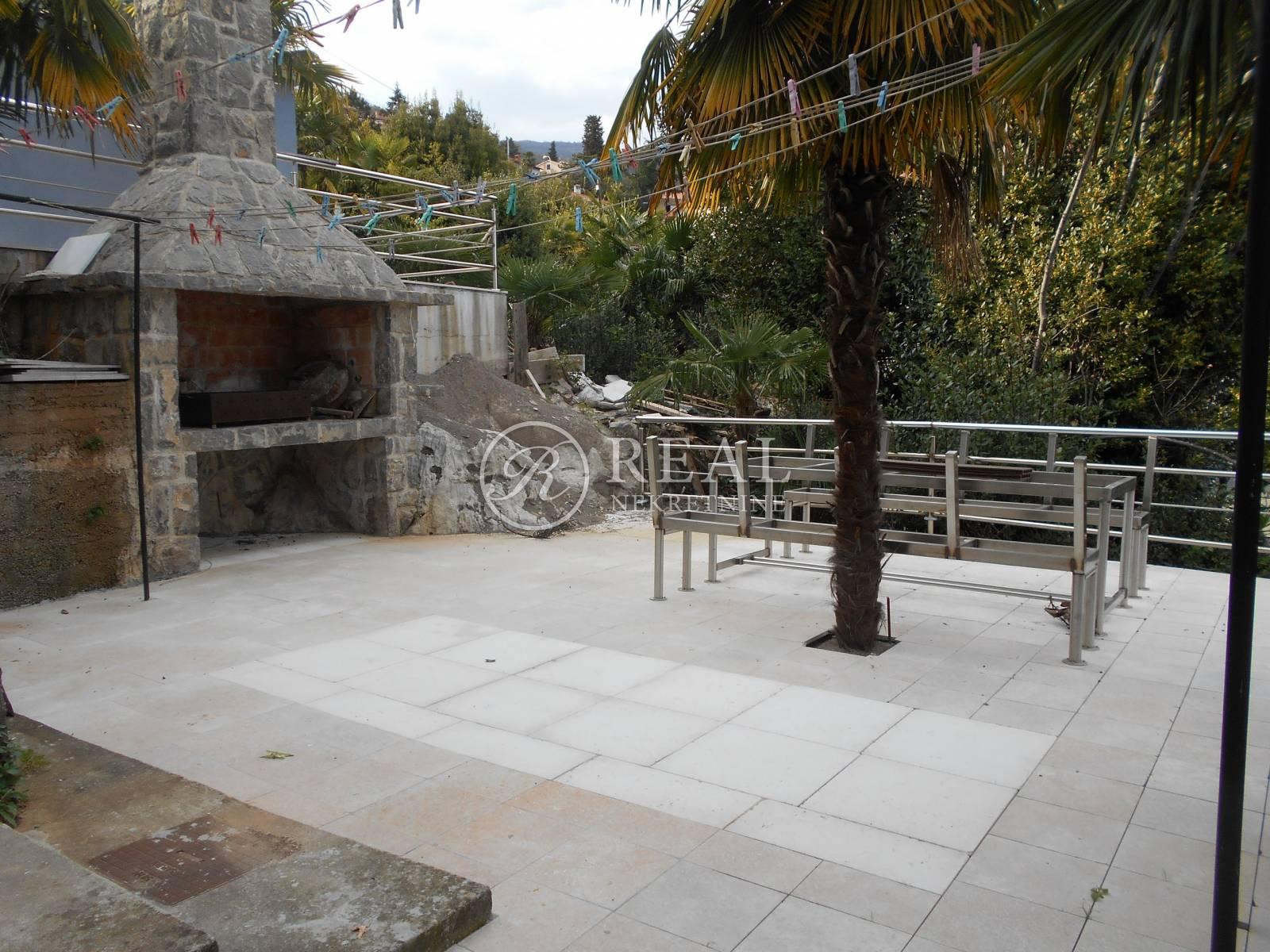 Izvrsno za investiciju! Samostojeća kuća u Opatiji od 360 m2!