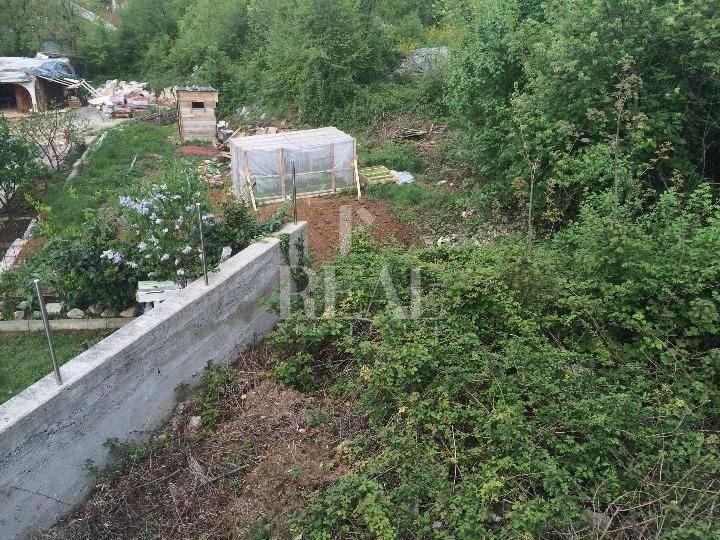 Građevinsko zemljište u Kastvu, 866m2.