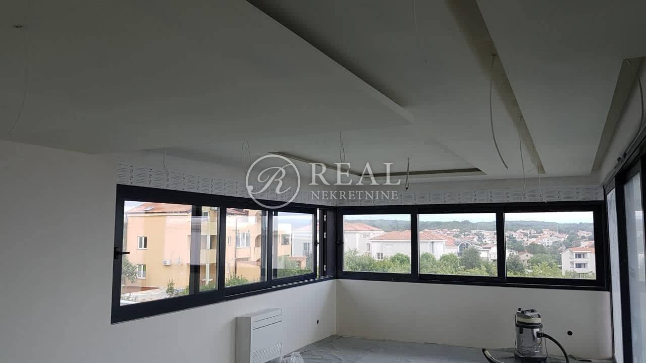 Vantačići stan u Vili,151 m2,natkrivena terasa 41 m2