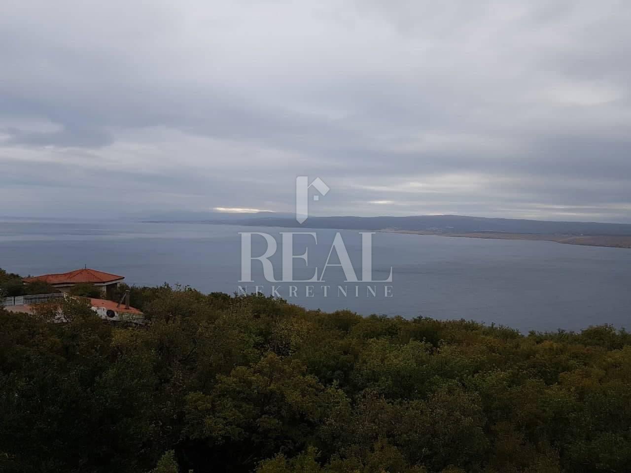 Jadranovo,dvoetažni stan,105 m2,3S+DB,2 balkona,pogled na more