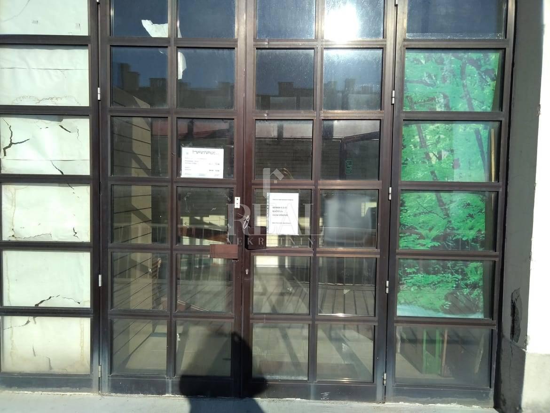Poslovni prostor za najam na Podmurvicama 349m2