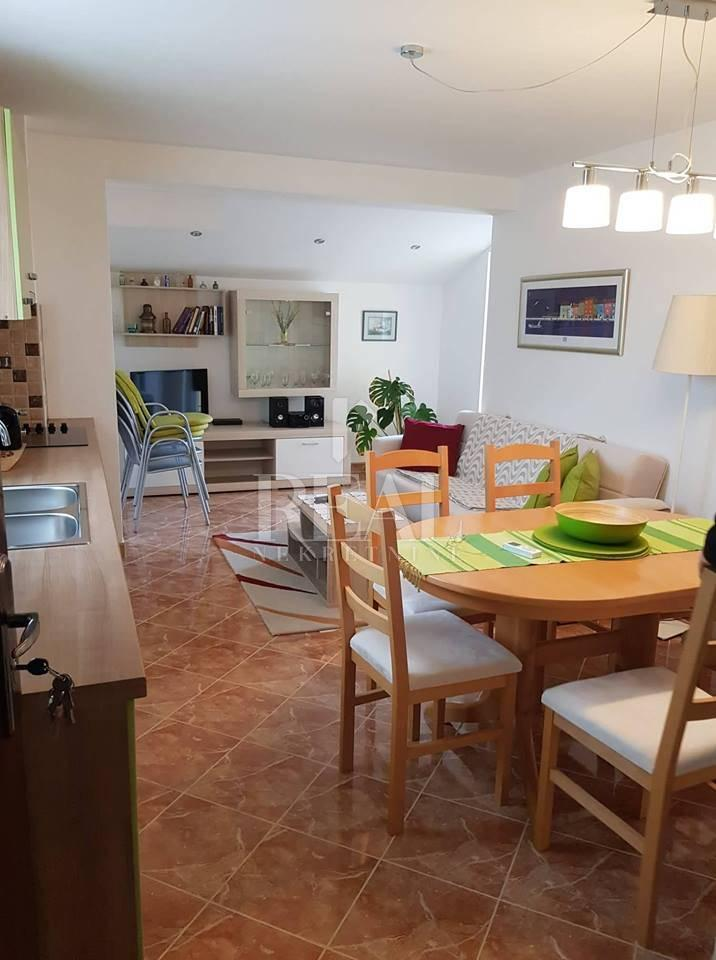 Belej novi i namješten apartman ,45 m2,1S+DB,2 parking mjesta,balkon