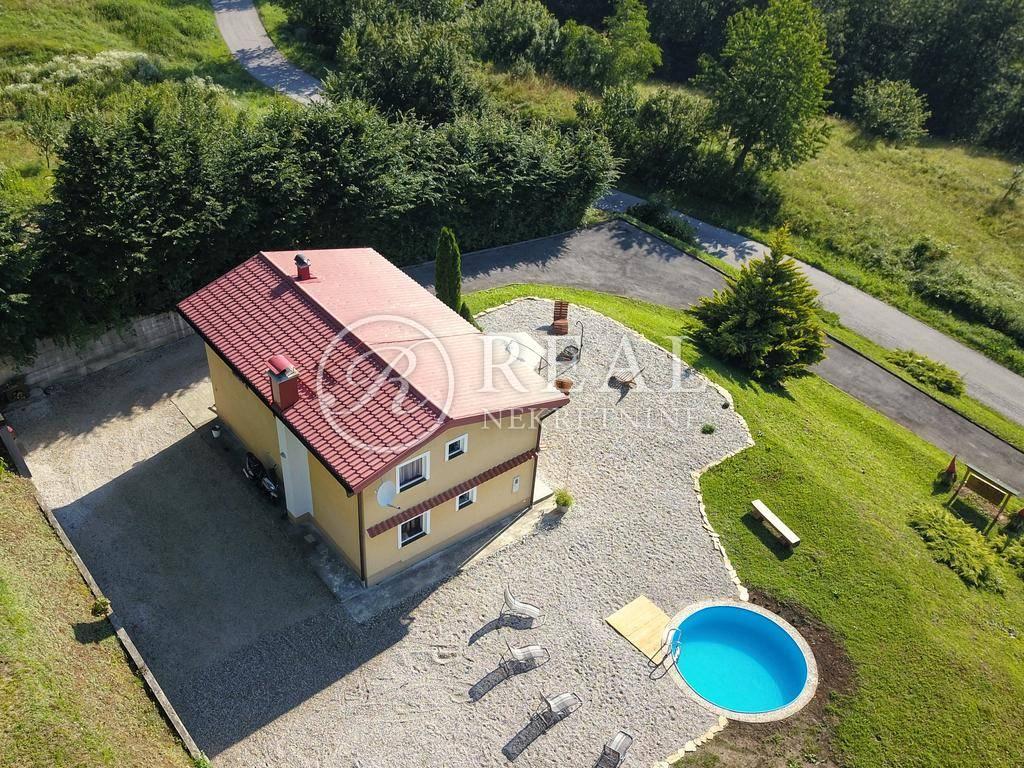 Vrbovsko kuća za turizam sa bazenom,150 m2