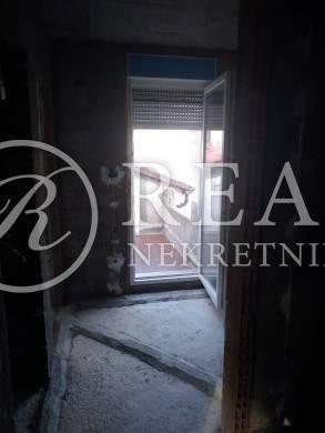 Prodaja kuće na odličnoj lokaciji u Kukuljanovu u niskom roh bau  207m2