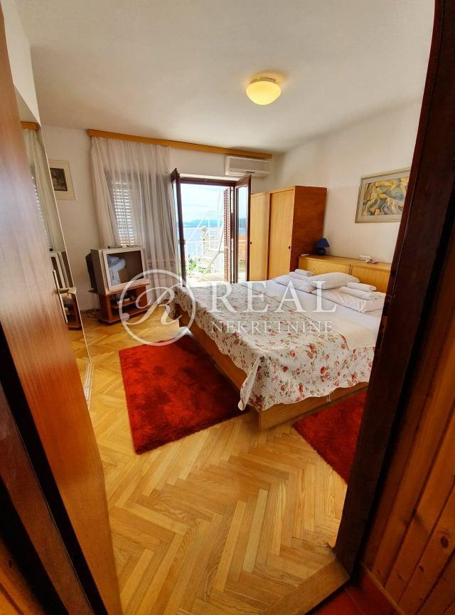 PRILIKA! Dramalj, dvojna kuća S+P+VPOT, 180 m2!