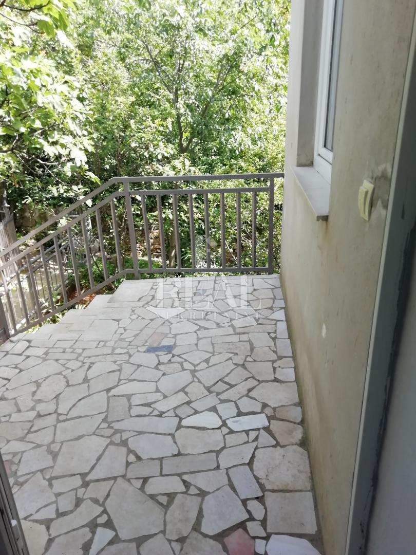 Crikvenica,3s+db od 95 m2 sa balkonom i terasom