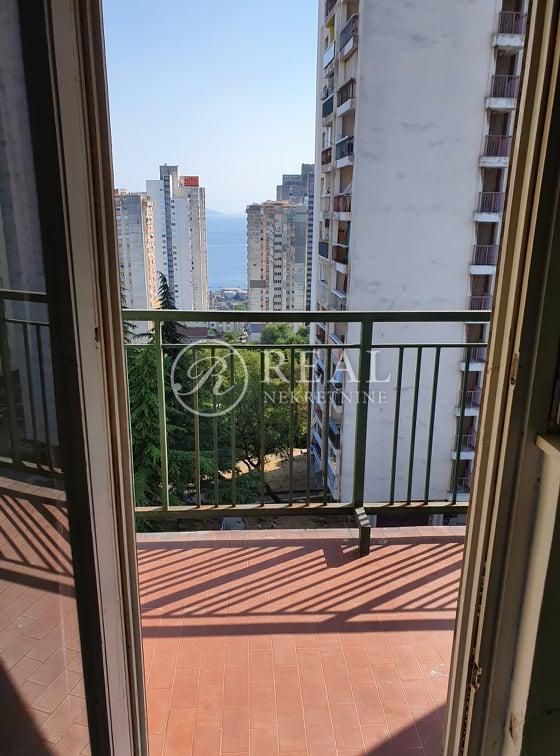 Samo kod nas, tražena lokacija 64 m2,2S+DB, balkon
