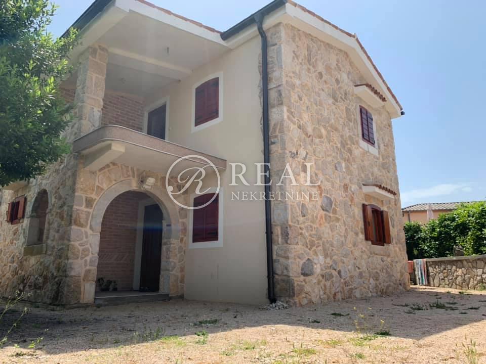 Kuća 136 m2, dvoetažni stan, Otok Krk