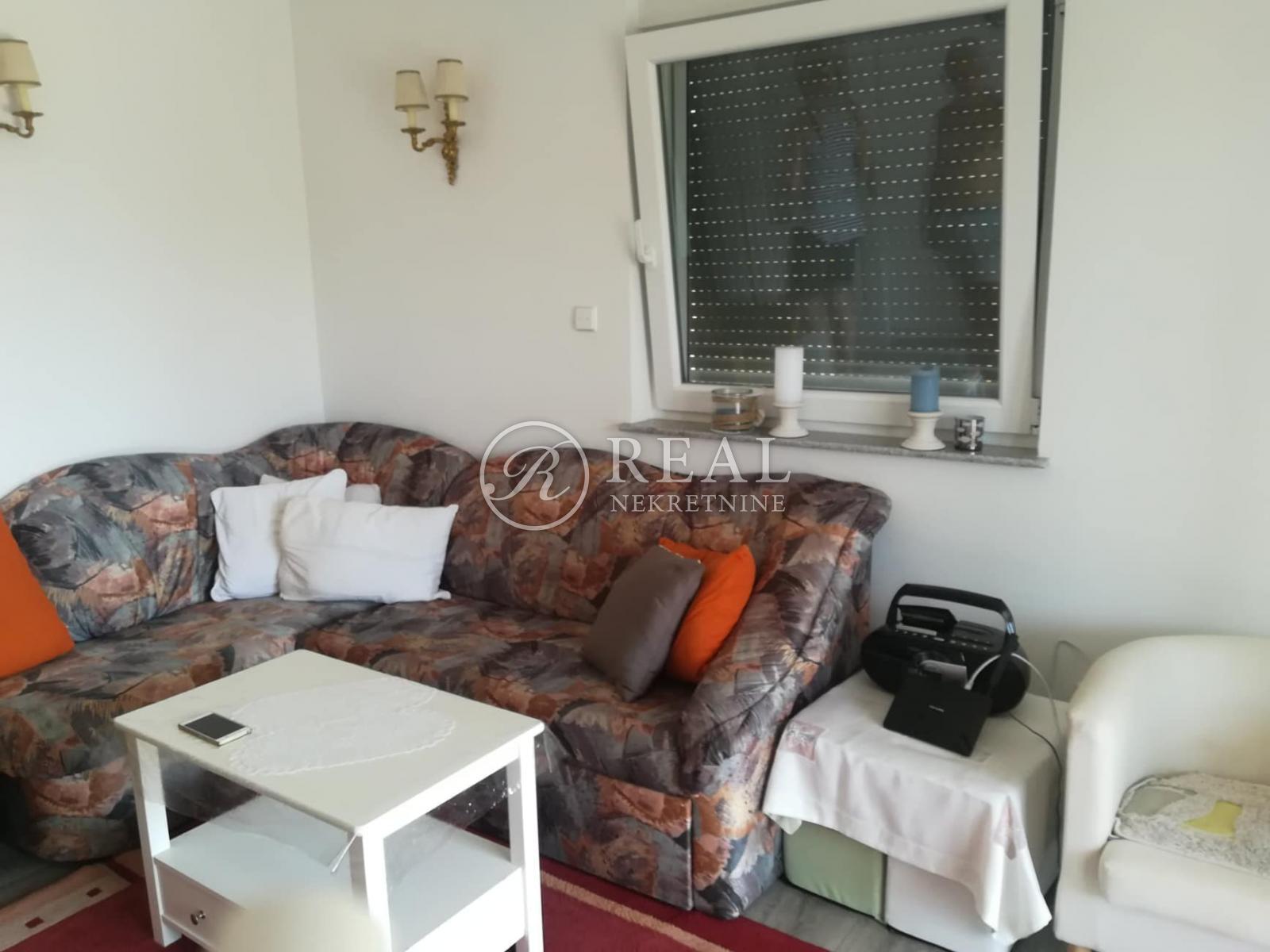 Apartman 100 m2, 3S+DB,Klenovica