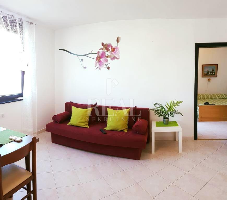 Apartman na top lokaciji 40 m2, 1S+DB, Červar