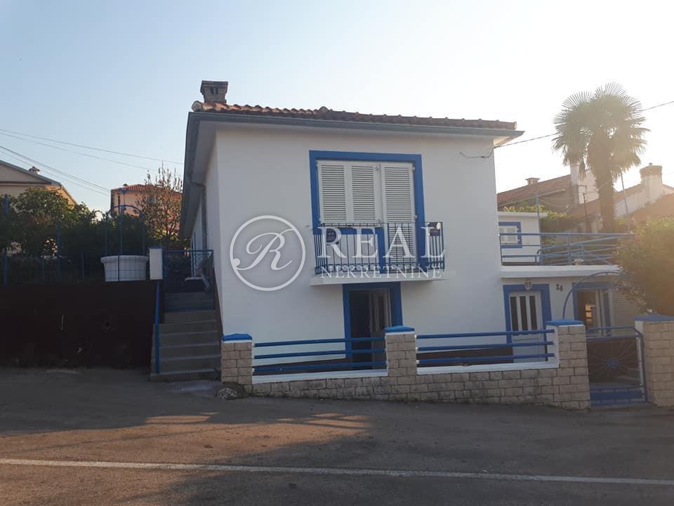 Kuća 198 m2, predivan pogled, dva apartmana, Soline, Krk