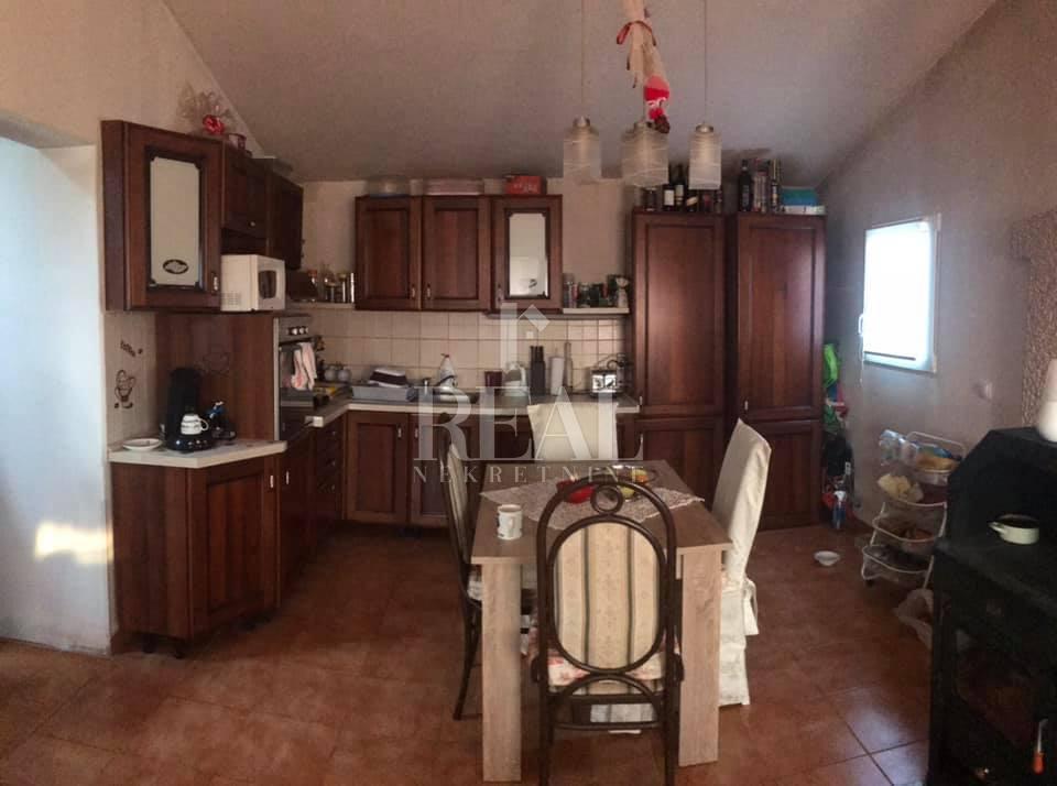 Kuća 133 m2, dvije stambene jedinice,Rovinj