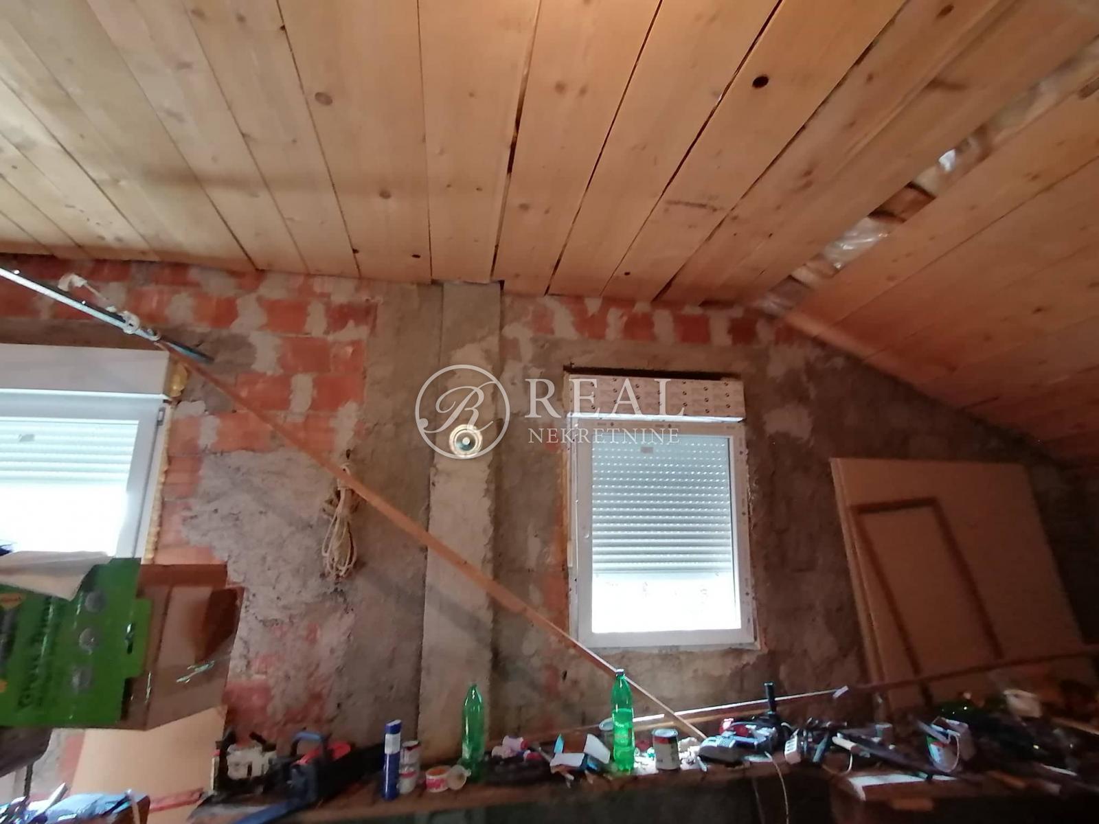 Kuća 120 m2, okućnica, Ledenice