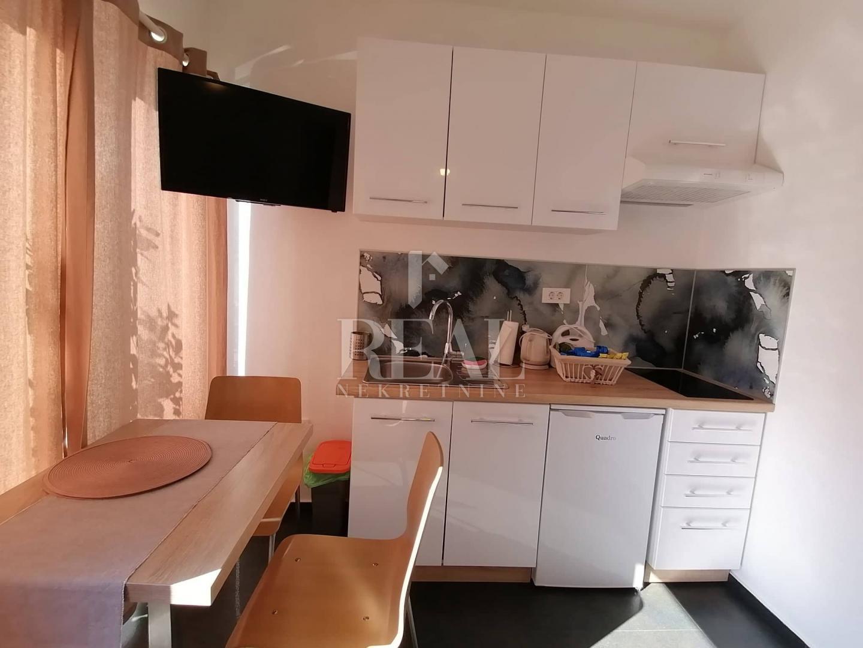 Lijepi apartman u centru, 22,90 m2, Opatija