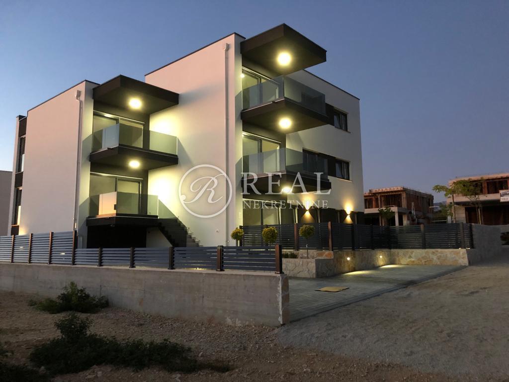 Apartman 64 m2, 2S + DB, Novalja