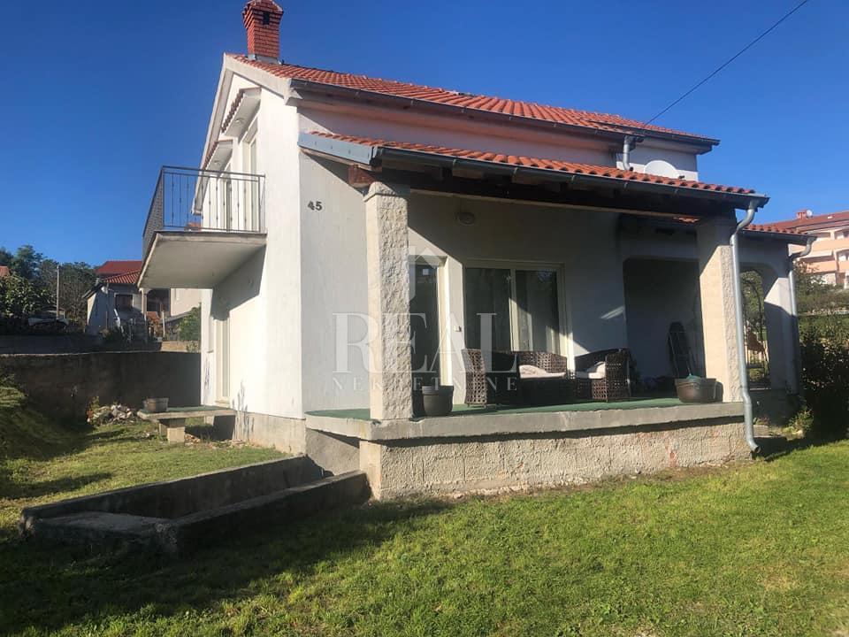Odlična kuća, 160 m2, P+1, okućnica 800 m2,Viškovo