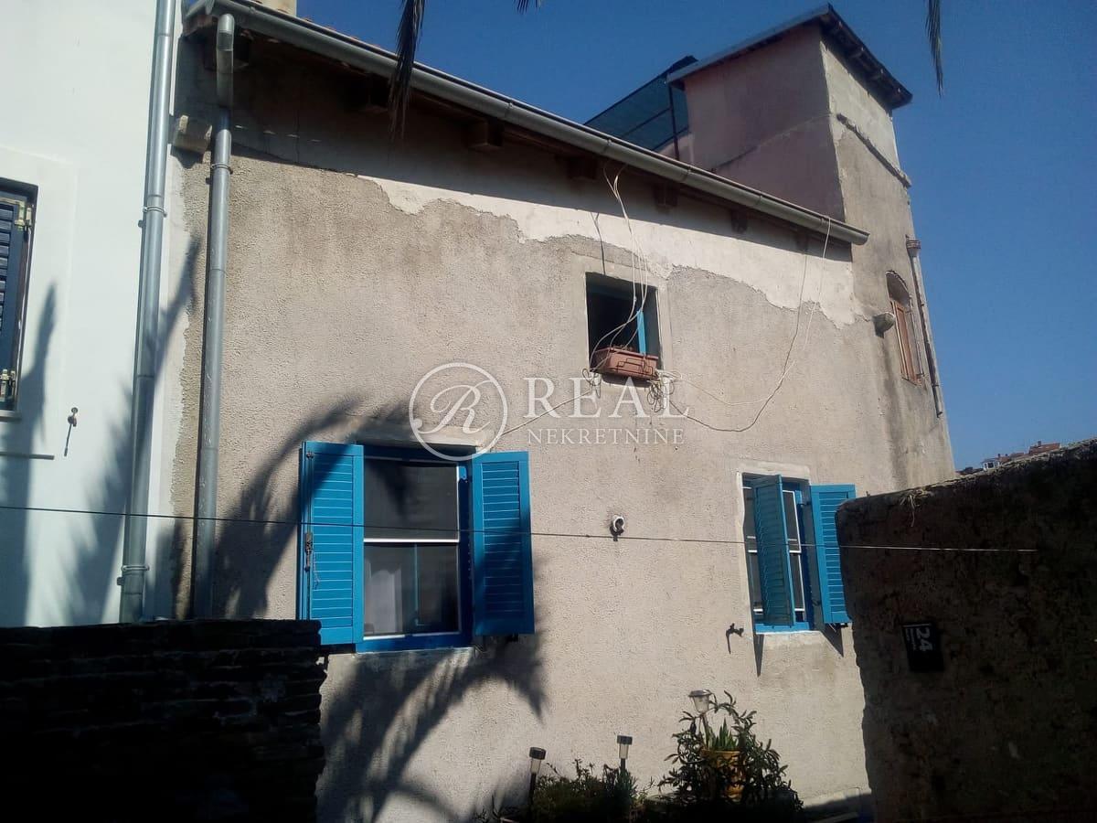 Prodaja kuće u Malom Lošinju   P+1+VP  150 M2