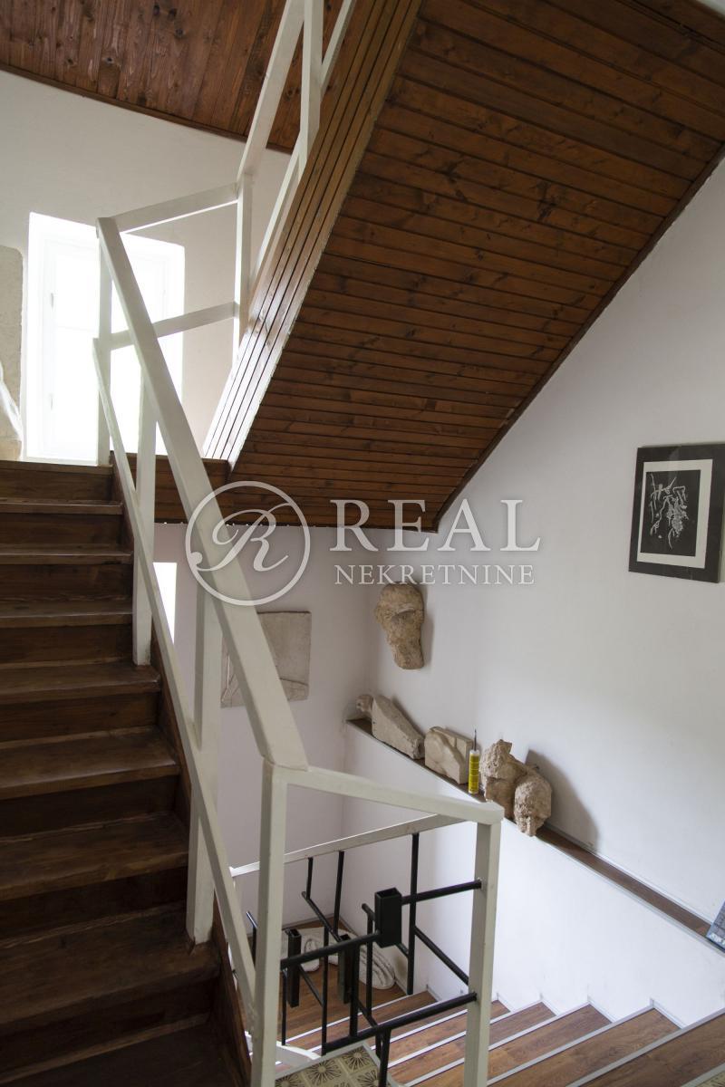 Odlična kuća, 160 m2+ okućnica,Tribalj