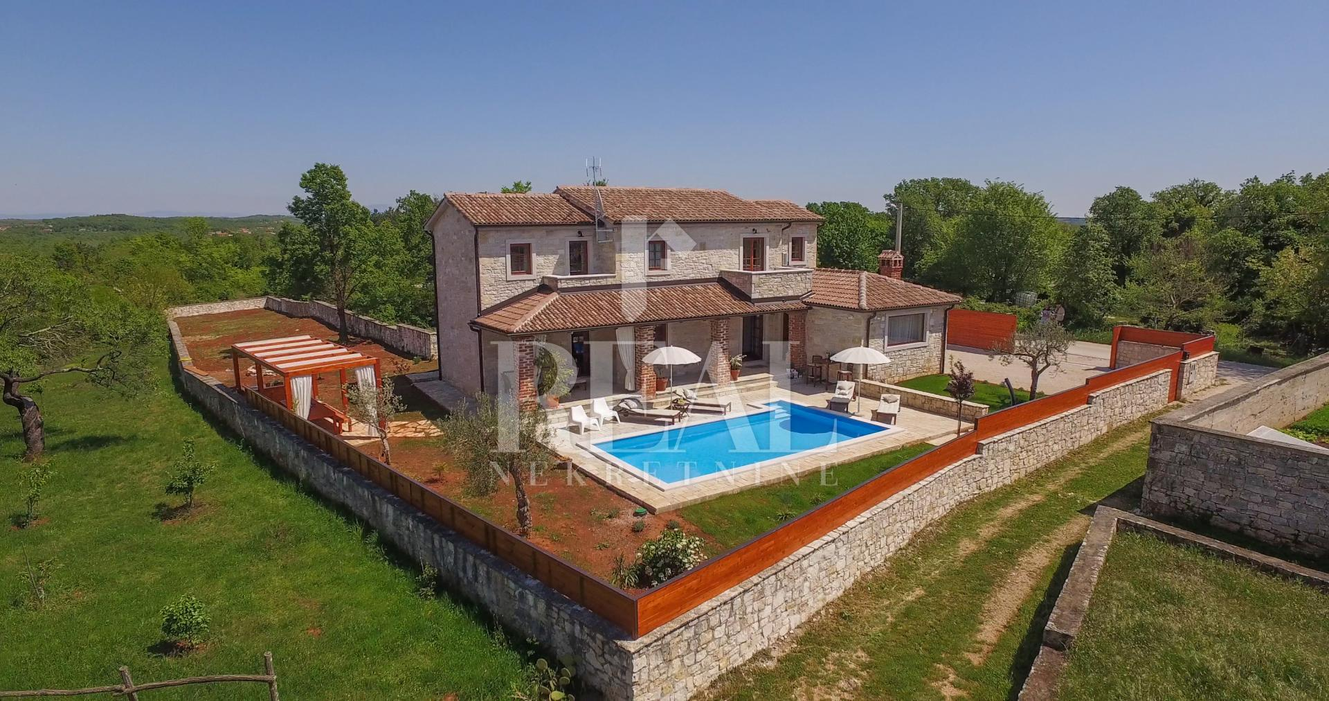 Predivna villa 211 m2, Poreč