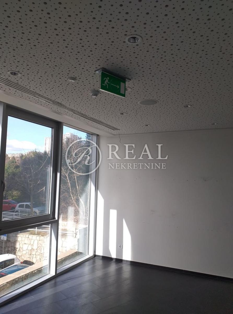 Zakup poslovnog prostora na izuzetno atraktivnoj lokaciji  125 m2