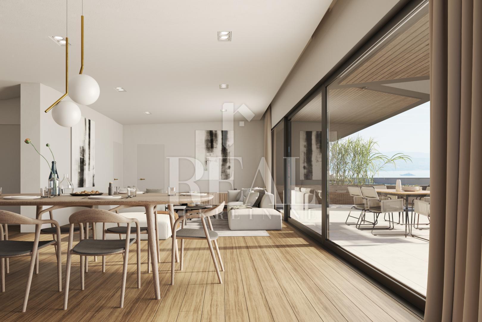 Penthouse sa bazenom na terasi i predivnim pogledom na Kvarner od 170,5 m2