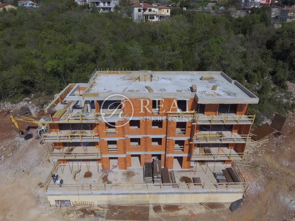Opatija novogradnja stan 145 m2 3S+DB ,balkon 15 m2 , dva parking mjesta u garaži