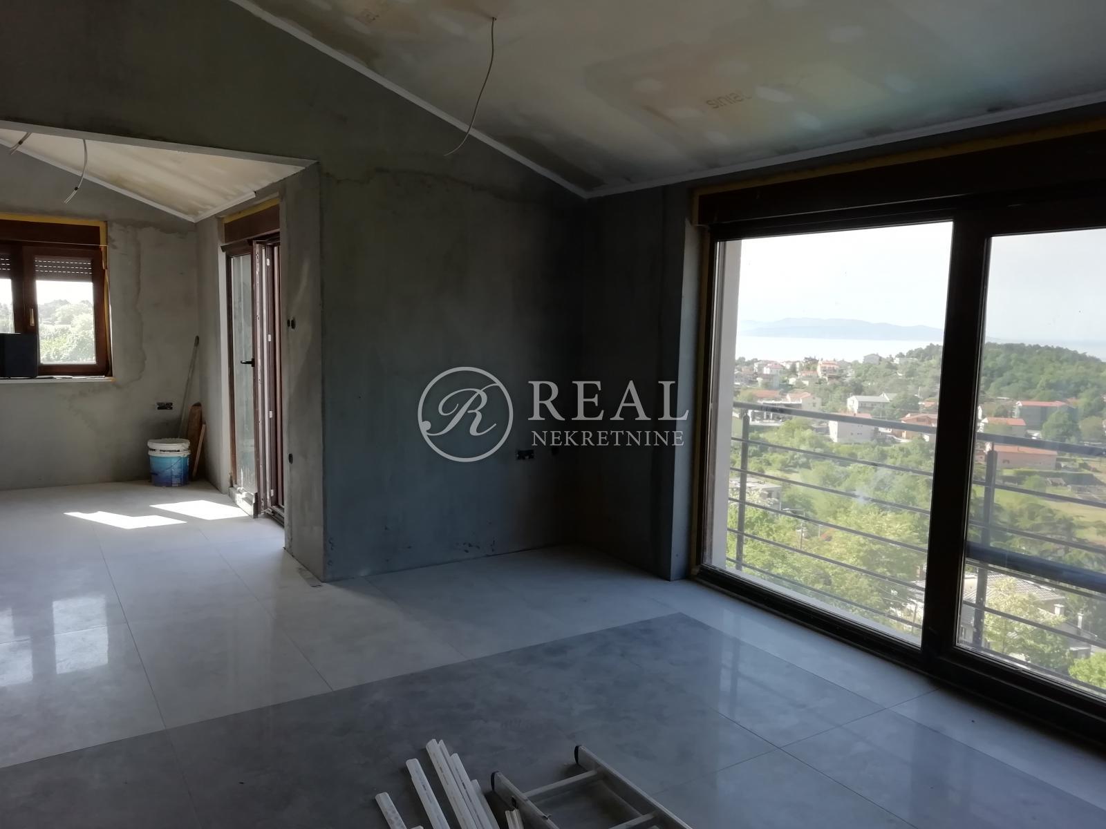 Kastav, predivan stan u manjoj urbanoj vili od 95 m2, 2S+DB