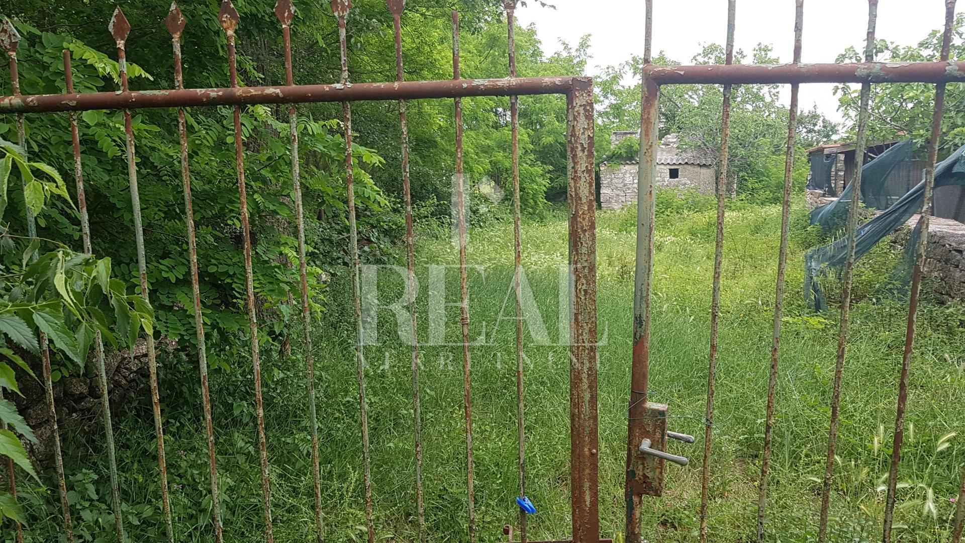 Okolica Bala, teren za gradnju vile s bazenom od 587 m2