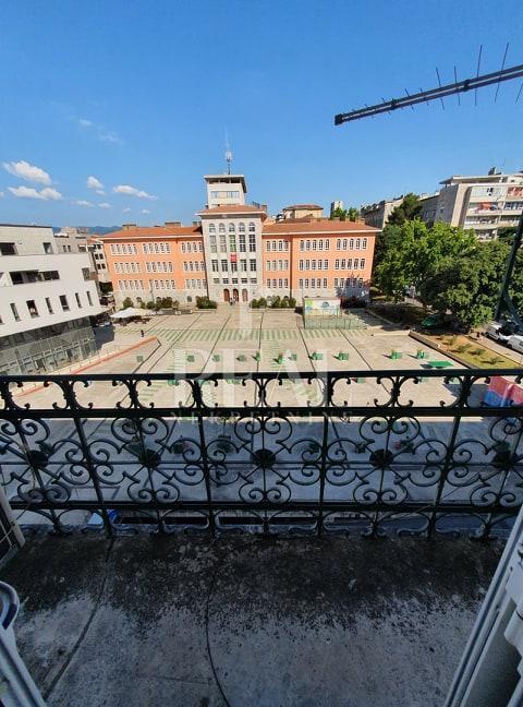 Centar grada stan 93 m2 3S+DB,balkon