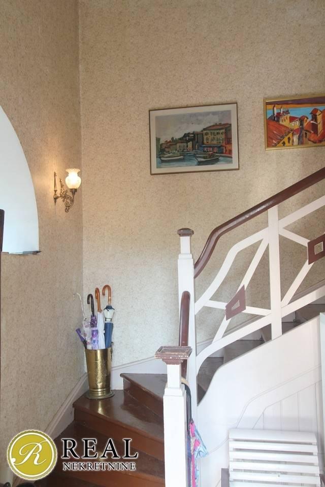 Opatija, dvoetažni stan 4S+DB, 180 m2