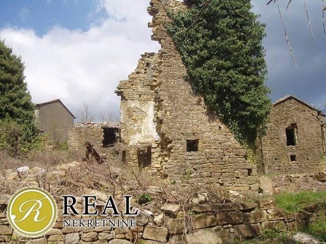 Kuberton,stara kamena kuća ruševina i štala 52+65m2