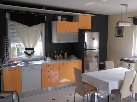 Luksuzno namješten stan od 115 m2 na Srdočima