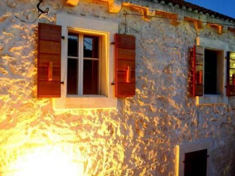 Otok Silba; prekrasna, renovirana starina od 200 m2!
