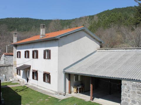 Buzet - Dane, samostojeća starina, 120 m2!