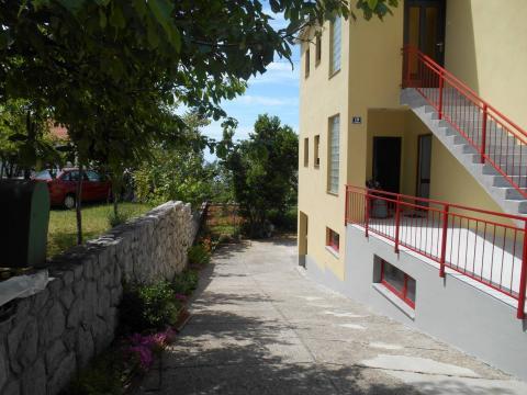 Donja Drenova, kuća S+P+1, 320 m2