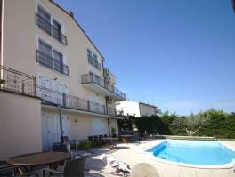 Hotel,19 soba,bazen