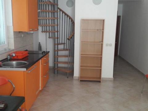 Barbat,dvoetažni apartman,54m2