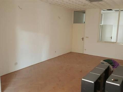 Na vrlo traženoj lokaciji na Turniću prodaja poslovnog prostora 120m2