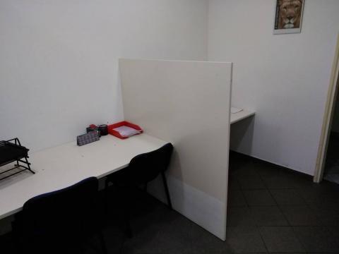 Prizemni uredski prostor,30 m2,sanitarni čvor