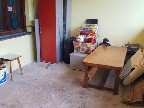 SNIŽENO-Kuća u nizu površine 142 m2,garaža i okućnica 70 m2