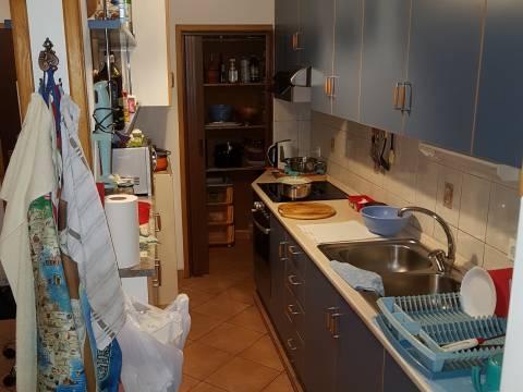 Kuća na dobroj poziciji,210 m2,garaža