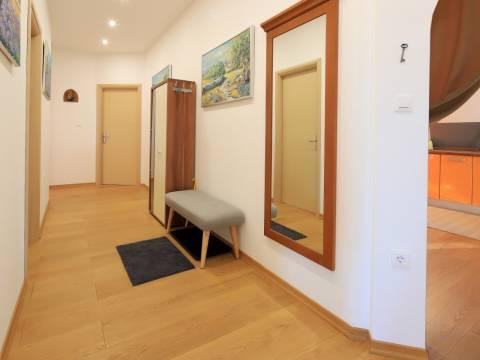Stan u centru Opatije 160 m2,3S+DB