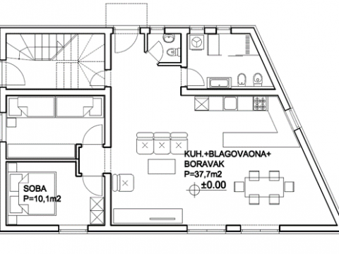 Kuća udaljena 200m od mora,220m2,okućnice 80 m2,parkingm2
