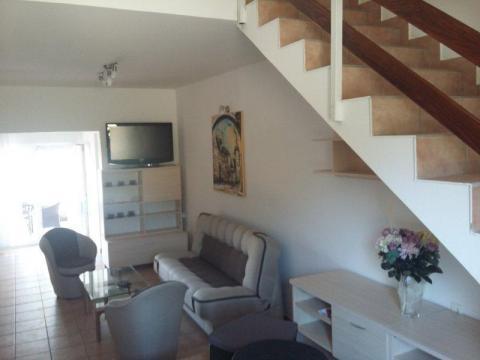 Rab-Barbat, 74 m2 sa terasom i balkonom