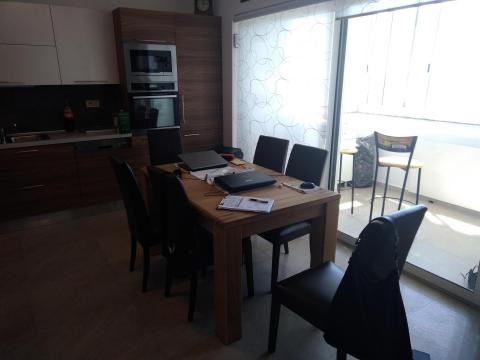 Najam moderno uređenog stana na Donjoj Drenovi  1S+DB  54 M2