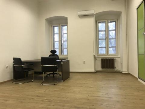 Zakup uredskog prostora u Centru grada  od 24m2