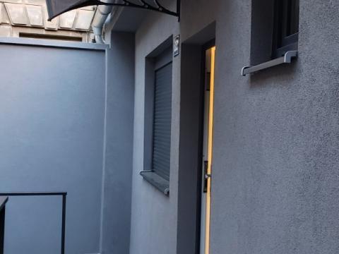 Novouređena garsonjera za najam na Sušaku  27m2