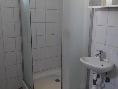 Hosti,GARSONJERA 40 M2