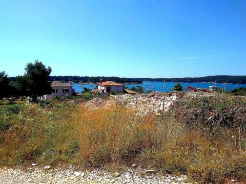 Prodaja građevinskog terena 300 metara od mora u Medulinu 1000m2